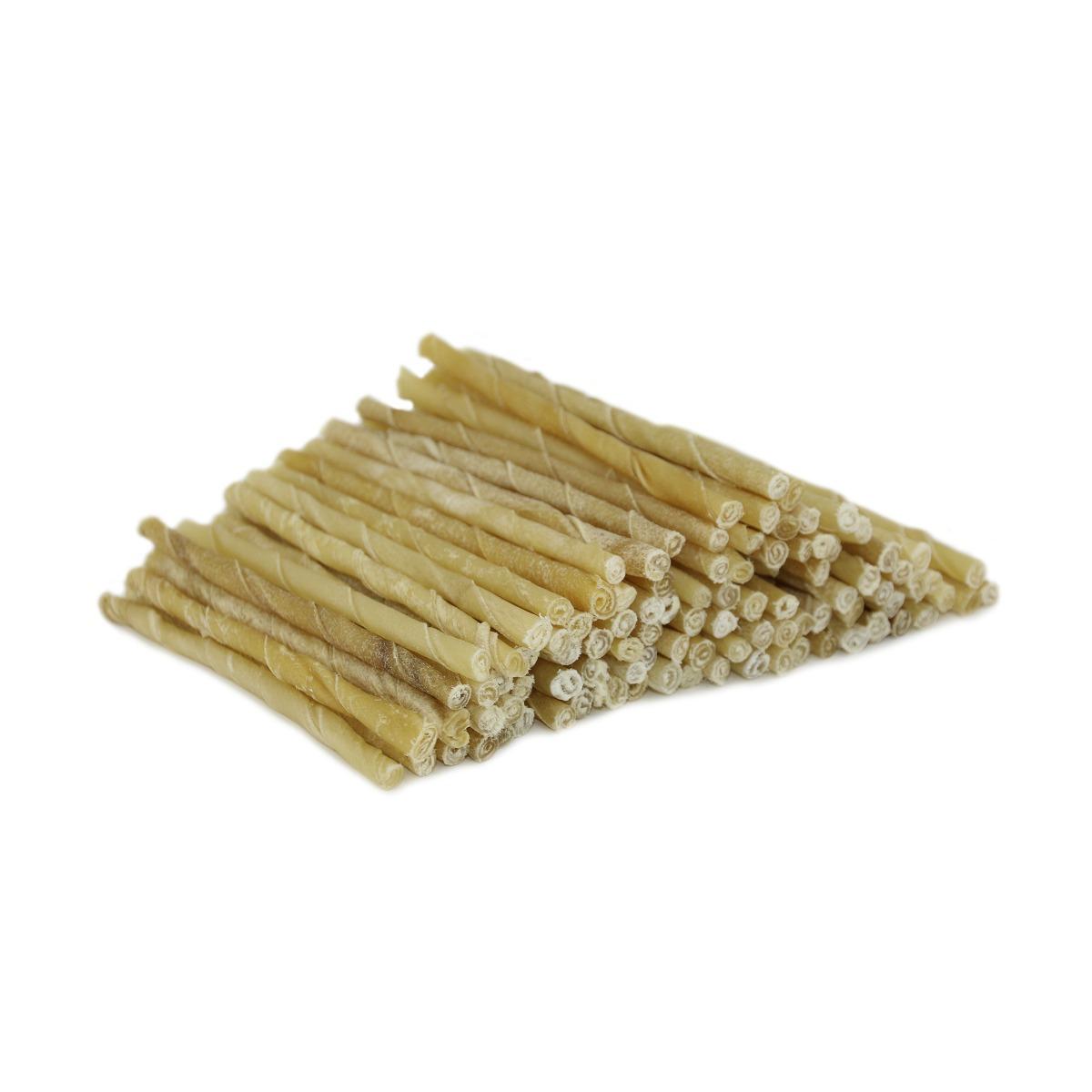 een toevoegingen, zuiver natuurlijk product Ongelooide binnenste huidlaag van runderen (Rawhide) Voor lang kauwplezier. Voor een schoon gebit en ter voorkoming van tandplak. De natuurlijke tandenborstel van je hond. Volledig verteerbaar. Lengte ca 13 cm, 3-5 mm dik.