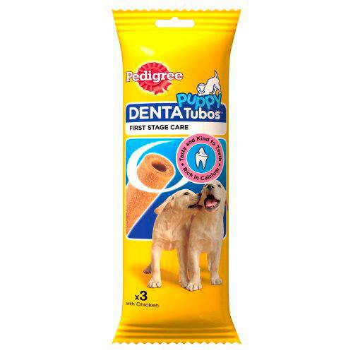 Rijk aan calcium, met een unieke vorm en textuur. PEDIGREE® Junior DentaTubos™ zijn speciaal ontworpen voor jonge honden met tanden en tandvlees in ontwikkeling.   Specifieke eigenschappen  Omega 3 helpt je hond in goede conditie te blijven Calcium helpt zijn tanden en botten sterk te houden Vitaminen en mineralen helpen het natuurlijke afweersysteem van je hond te versterken Zie de verpakking voor specifieke ingrediënten.  Voedingsadvies  Puppy's (type Teckel) 1 kauwsnack per dag Puppy's (type Cocker Spaniel) 2 kauwsnacks per dag Puppy's (type Labrador) 3 kauwsnacks per dag Deze kauwsnack is geschikt voor puppy's tussen de 4 en 12 maanden. Niet geschikt voor puppy's onder de 5 kg. Als je puppy volwassen is, kun je overstappen naarDentaStix® Mini,MediumofMaxivan PEDIGREE®. Zorg dat er altijd voldoende vers drinkwater beschikbaar is. Koel en droog bewaren.  Variaties  Junior DentaTubos™ van PEDIGREE® voor jonge honden is verkrijgbaar in een zakje met 3 tubos (in totaal 72g).