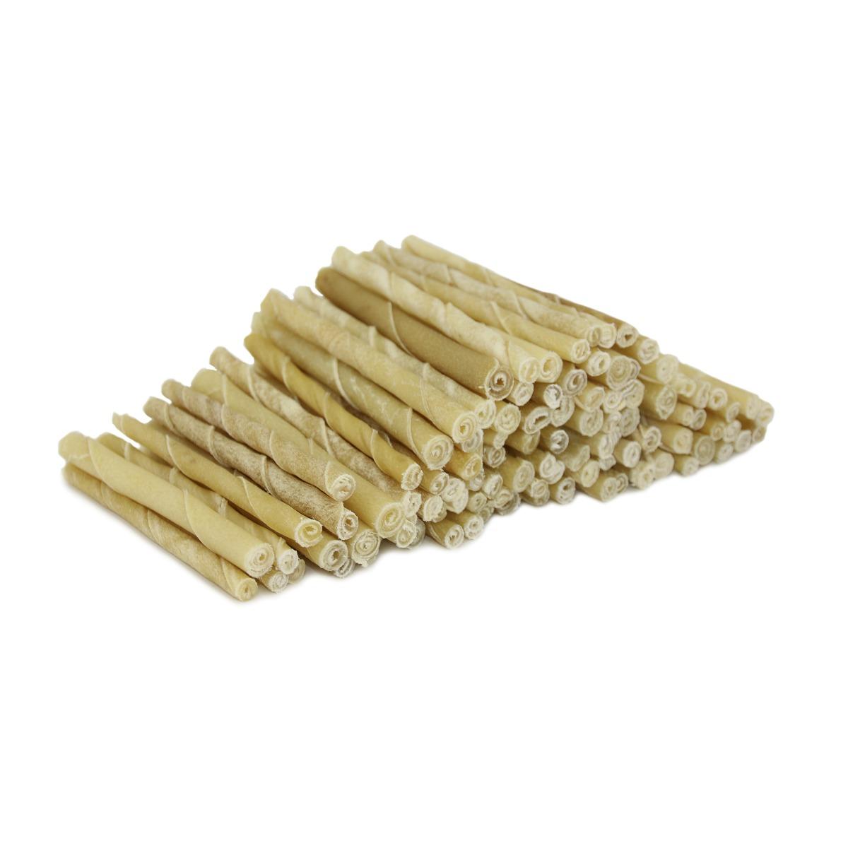 Geen toevoegingen, zuiver natuurlijk product Ongelooide binnenste huidlaag van runderen (Rawhide) Voor lang kauwplezier. Voor een schoon gebit en ter voorkoming van tandplak. De natuurlijke tandenborstel van je hond. Volledig verteerbaar. Lengte ca 13 cm, 9-10 mm dik.